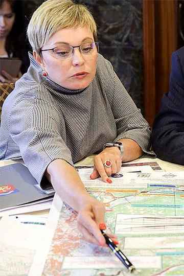 Первой заявление об отставке еще в понедельник написала Марина Ковтун