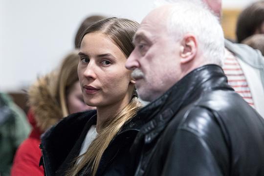 Валентина Григорьева, которую всоцсетях еще недавно называли самой красивой стюардессой России. Впрошлом году она родила Абызову сына