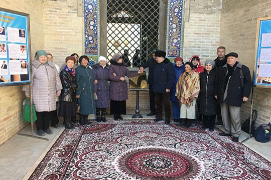 Вэти дни вБухаре проходили мероприятия попразднованию 200-летия татарского богослова Шигабутдина Марджани, вмедресе «Мир-Араб», где онучился, была установлена памятная доска, прошла научная конференция