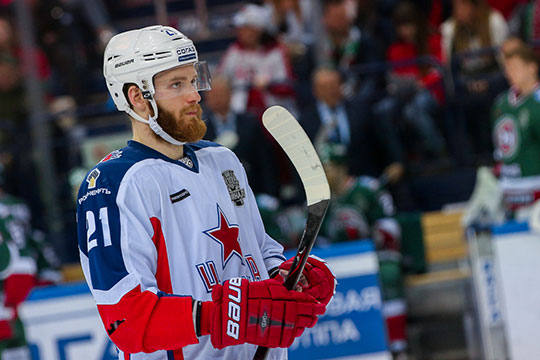 В ЦСКА перед седьмым матчем финала Западной конференции против СКА разъединили связку Капризова и Михаила Григоренко (на фото), и это принесло результат