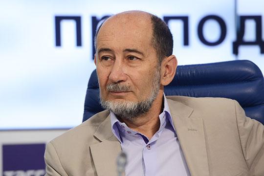 Александр Бузгалин: «Господствующий слой не готов делиться властью, надо его подтолкнуть»