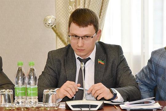 Артем Прокофьев заметил, что в региональной программе по законодательству должна быть прописана сумма, затраченная на расселение — а у нас этого нет!