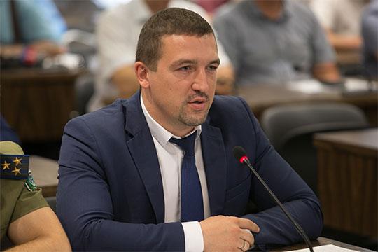 Сергей Богатов отметил, что раздельный вывоз для ПЖКХ мероприятие довольно затратное — расходы на перевозку выросли на 30%