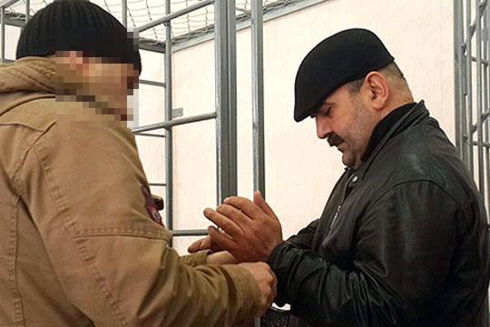 Гюльгусейн Наджафов — отец Гахраманова — занимался сбором денег с арендодателей. Именно его многочисленные свидетели по делу называли администратором торгового центра