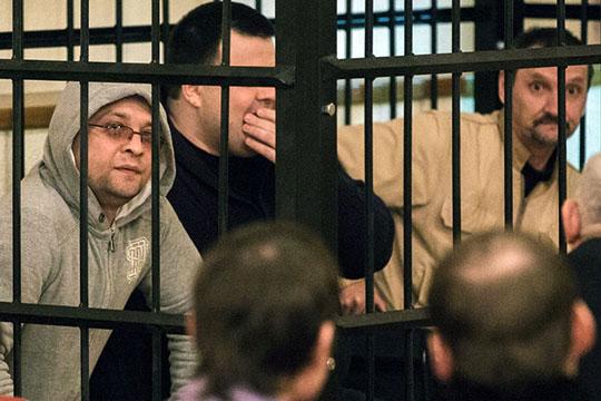 Заместитель Гахраманова по пожарной безопасности Николай Каекин (слева), по версии следствия, уклонялся от должностных обязанностей