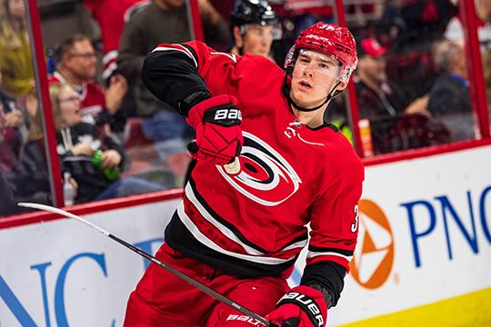 19-летний воспитанник «Ак Барса», нападающий «Каролины» Андрей Свечников в дебютном для себя сезоне стал одним из самых ярких российских хоккеистов НХЛ