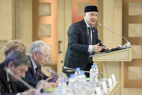 Фариту Фарисову удалось убедить казанских татар, что кашу вистории созданием автономии заварил именно Ямалеев, плетя интриги иведя закулисные игры