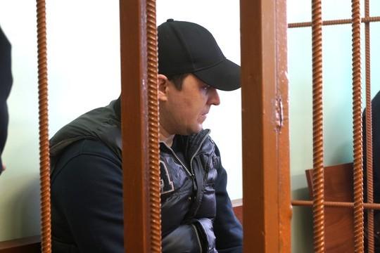 Признав вину, подсудимый Ленар Рахимов категорически отверг корыстные мотивы ипотребовал вызвать всуд гражданку, которая, по-видимому, истала причиной раздора