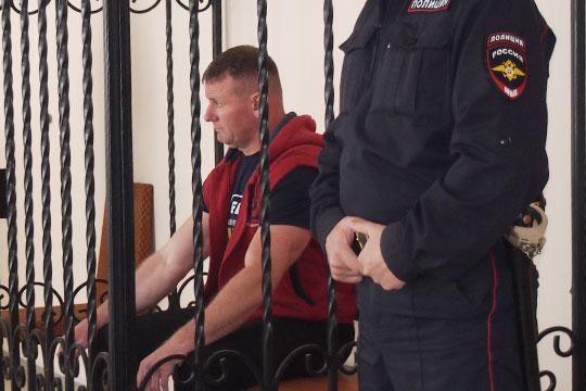 Климанов приговорен к6 годам колонии строго режима поч.4 ст.162 УКРФ«Разбойное нападение, совершенное группой лиц попредварительному сговору»