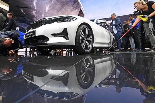 Авторынок Татарстана: лихая баварская тройка иRolls-Royce за33 миллиона