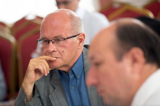 Вадим Трепавлов:«Калужским губернским чиновникам, разумеется, нет никакого дела допадения ига, ихинтересуют только деньги итуризм»
