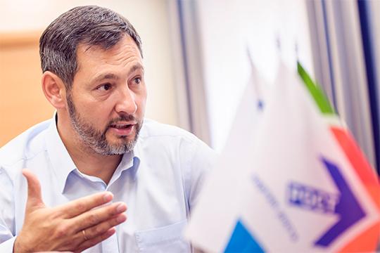 Сразу после выборов провел пресс-конференцию и лидер татарстанского отделения Партии Роста Олег Коробченко. Он назвал выборы «тяжелыми», поставил избиркому «четверку»