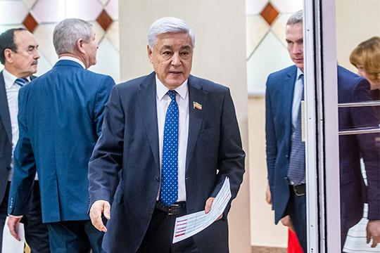 Новоизбранный депутат Госсовета Татарстана Фарид Мухаметшин, который 21 год бессменно руководил парламентом республики, будет вновь предлагать свою кандидатуру на пост спикера