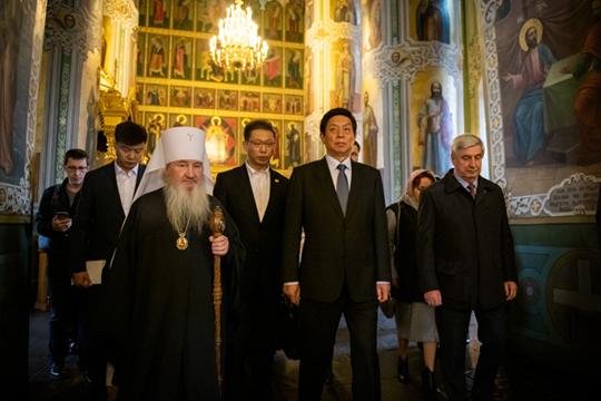 Митрополити Феофан отметил, что не только российские правители, но и российский народ «всегда с большой любовью относился к народу Китая»