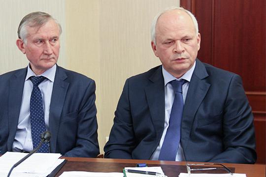 Конкурсный управляющий ТФБ Михаил Захваткин (справа)сразу после старта процедуры банкротства разгребал сомнительные сделки и подавал в суд иски об их расторжении. Среди них оказались и две, связанные с Бинбанком