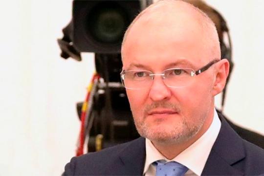 100% акций в результате сложной сделки должно достаться Роману Троценко, тесно связанному с президентом «Роснефти» Игорем Сечиным