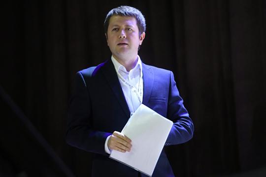 Денис Волков отметил, что придуманные властью институты для подготовки иповышения квалификации бюрократических кадров направлены нато, чтобы сохранить нынешнюю систему