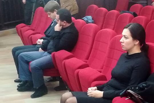 Аюпов и Хайрутдинов пришли с явкой с повинной и способствовали раскрытию преступления. Что касается Зиганшиной, то в ее случае смягчающим обстоятельством служат двое маленьких детей