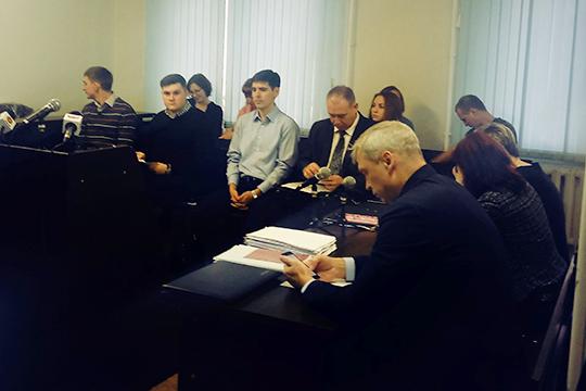 Накануне в суде стартовал основной процесс по делу «Свидетелей Иеговы», обвиняемых в продолжении деятельности запрещенной на территории России организации, признанной экстремистской