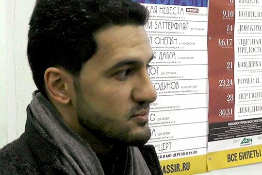 В феврале театр им. Джалиля в одностороннем порядке расторгнул контракт с тенором Хачатуром Бадаляном, в качестве причины негласно объявив низкий рост певца