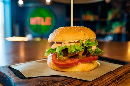 До конца года в Казани откроется второе стейк-кафе «ИТLЕ» — в ТЦ «Сувар Плаза»
