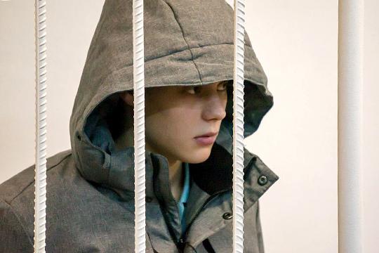 Предполагаемый основатель илидер челнинской молодежной ОПГ «Белята» 18-летнийОлег Дубровинпокличке «Белый»заключенпод стражу
