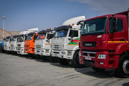Проходящие поделу исоответственно арестованные 36 грузовиков, которые хранились набазе «РБА», неожиданно пропали