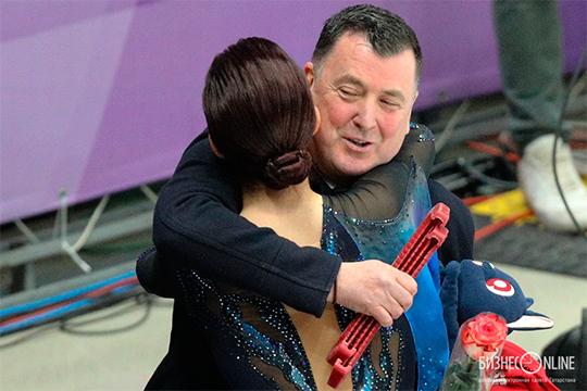 Алина утверждает, что тренерский штаб для нее— это семья. Ноточно также говорила иЕвгения Медведева. Ауже через месяц договаривалась сБрайаном Орсеромопереходе вего группу