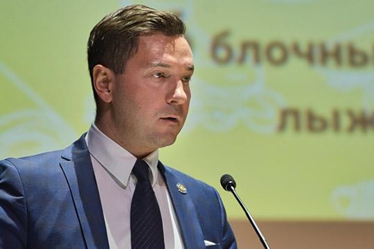 ВладимирЛеоновозвучил, чтов2019-м бюджет ведомства составил 3,047млрд рублей. При этом доходы отплатных услуг всех подконтрольных организаций— 97,7млн.