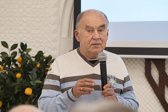 Шамиль Агеев: «Cпать — это хорошо, но меньше спать — лучше. Нужно целенаправленно работать, использовать все имеющиеся возможности»