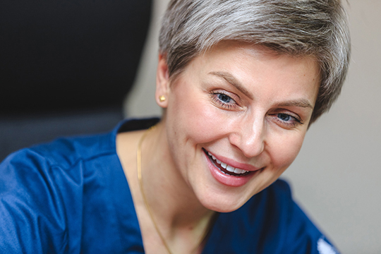 Наталья Илизарова:«Запрошлый год мывыполнили 154 протокола ЭКО, изних попрограмме ОМС—50.Пациенты нам доверяют, амыоправдываем это высокой результативностью»