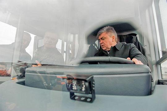 Попытка модернизировать городские перевозки прочно связывается в сознании горожан с приходом в автоград Наиля Магдеева
