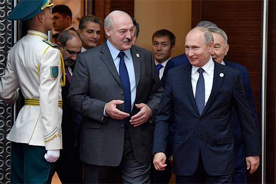 «Лукашенко апеллирует к единому государству, говорит: раз единое государство, раз Таможенный союз, давайте мне беспошлинный газ. Путин ему в ответ говорит: «А где у нас единое государство?»
