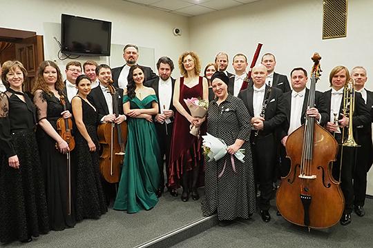 Дарья Шувалова написала в «Инстаграме» ГСО РТ: «Один из лучших оркестров, с которым мне посчастливилось петь!»