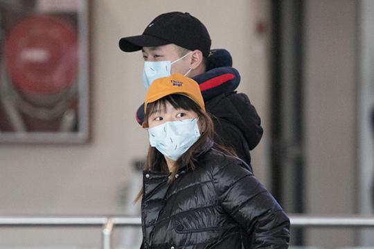 «Я не могу сказать конкретно, почему возник такой ажиотаж вокруг коронавируса. Но китайские коллеги очень серьезно подошли к этой проблеме, закрыв города и закрыв границы»